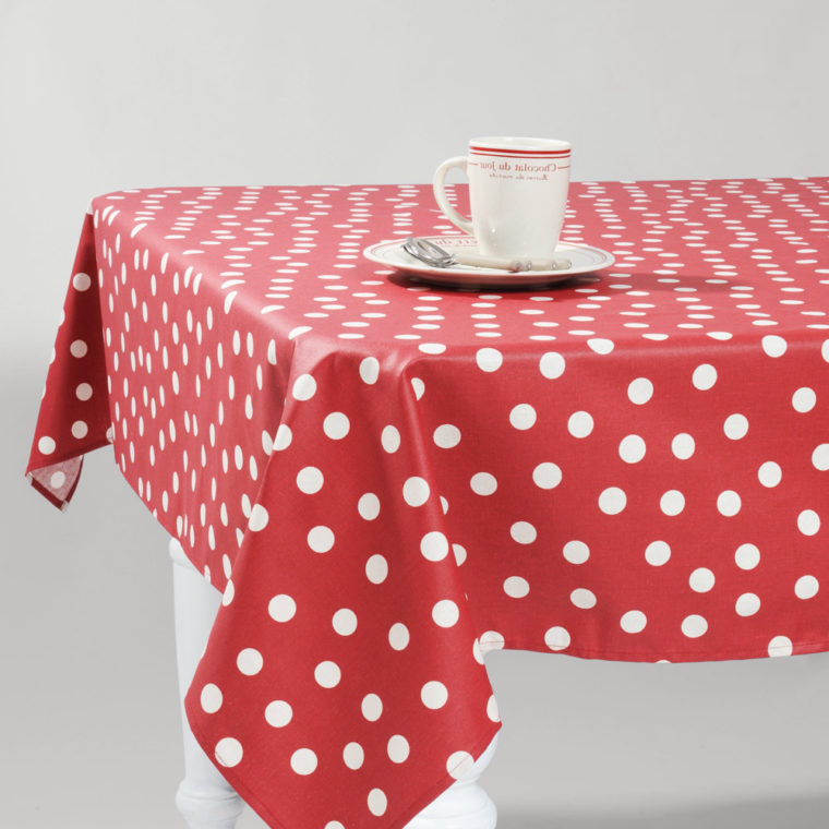 red polka dot table covers