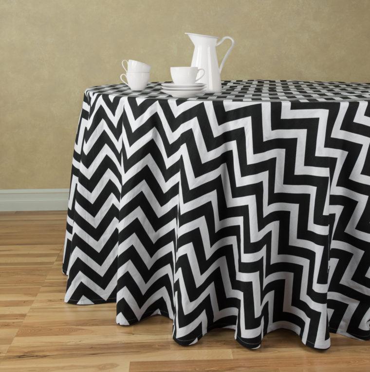 round black chevron table cover
