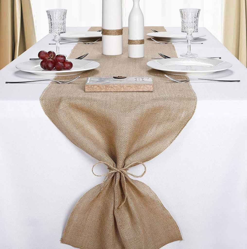 3 Advantages of Using Burlap Wedding Table Runner That You Should Know | Table Covers Depot