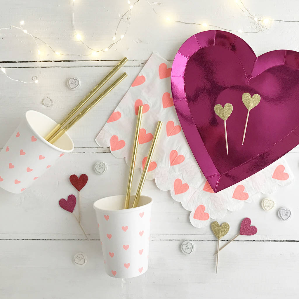 Valentines Day Decorations for Romantic Themed Dining Table at Home