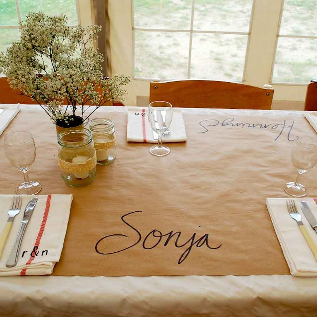 5 Inspiration Types To Create Linen Like Paper Tablecloths | Table Covers Depot