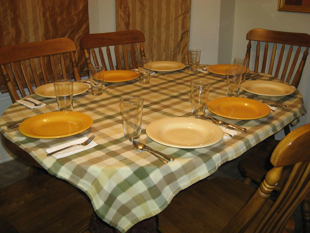The Best Oval Thanksgiving Tablecloth Ideas for You | Table Covers Depot