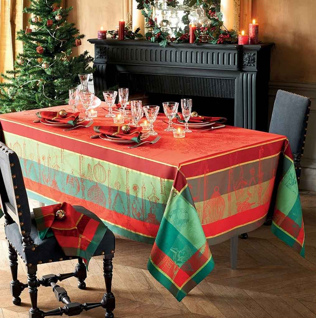 Stunning Christmas Table Linens to Set Up Festive Vibe for Your Holiday | Table Covers Depot
