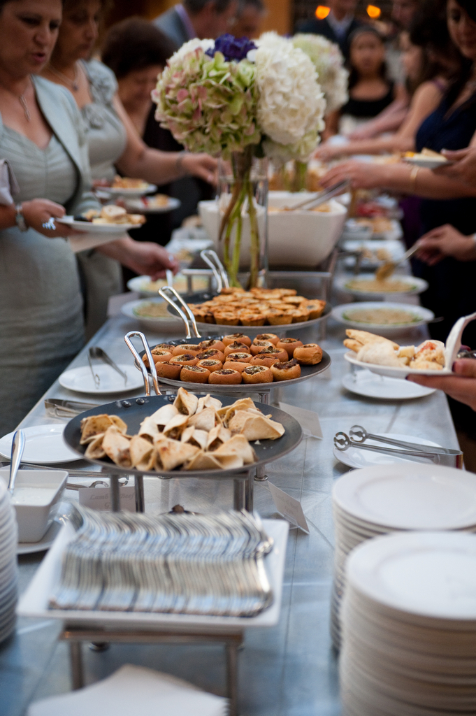 food-stations-at-reception-outdoor wedding decoration ideas-pictures of wedding table settings