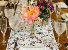 5 Kind of Trendy Rustic Wedding Table Runners That You Should Know | Table Covers Depot