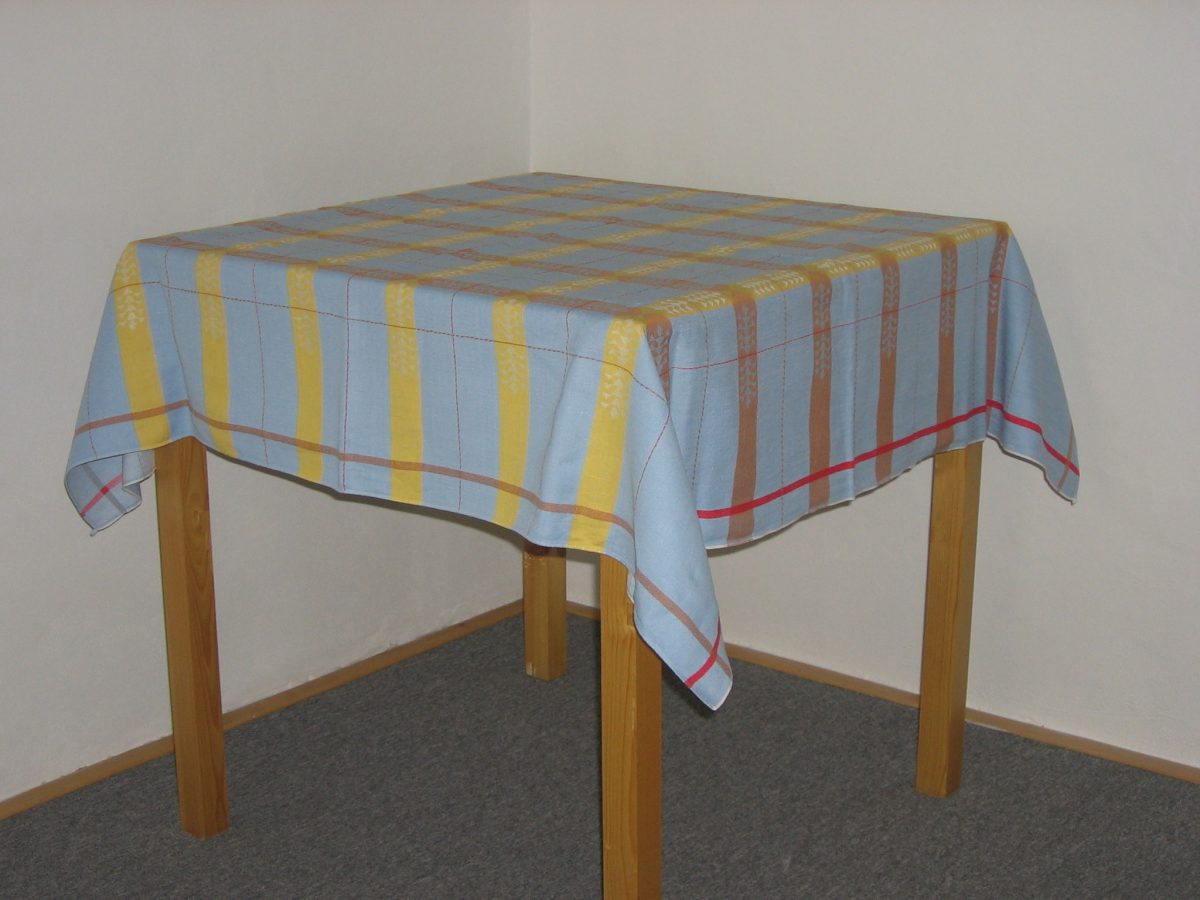 A Guide Of Standard Tablecloth Size You Should Know | Table Covers Depot