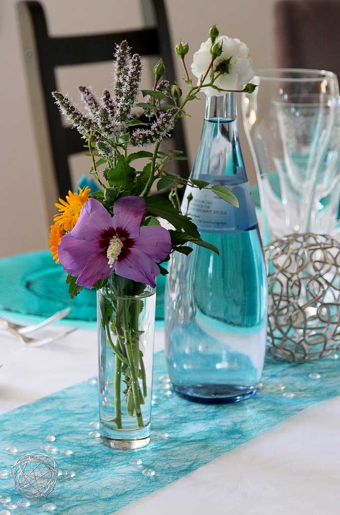 How To Choose A Table Runner For Decorate A Table | Table Covers Depot
