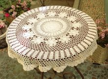 Round Decorator Table Covers with Lace Table Cover