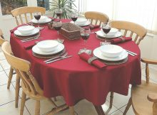 5 Gorgeous Oval Tablecloths for Christmas Holiday | Table Covers Depot