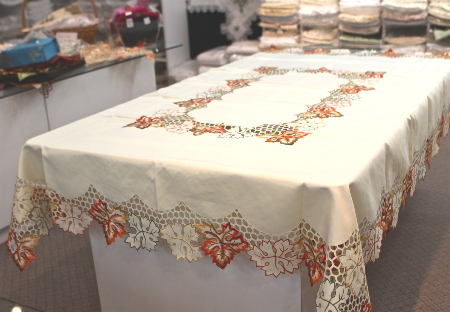 fall table linens | Nice Fall Tablecloths Ideas ~ Home Decorations | fall table linens