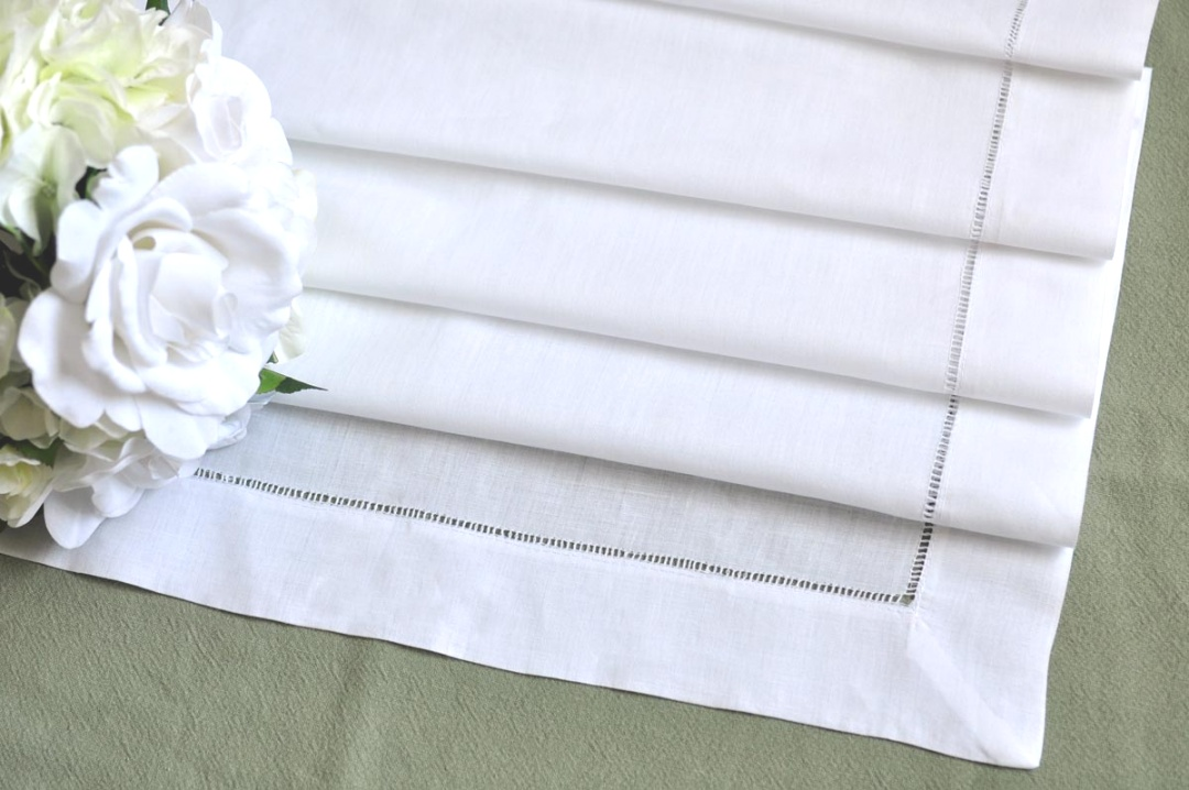 linen runners for tables | White Linen Table Runners - Thediapercake Home Trend | linen runners for tables