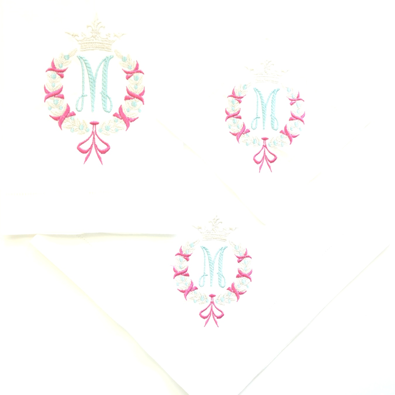monogrammed table linens | Laurel Wreath Monogram , dinner napkins, guest towels and cocktail ..