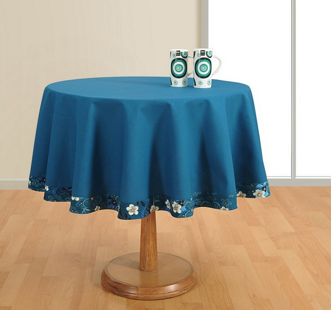 Tablecloth for Small Round Table: Standards and How to Measure   Table Covers Depot