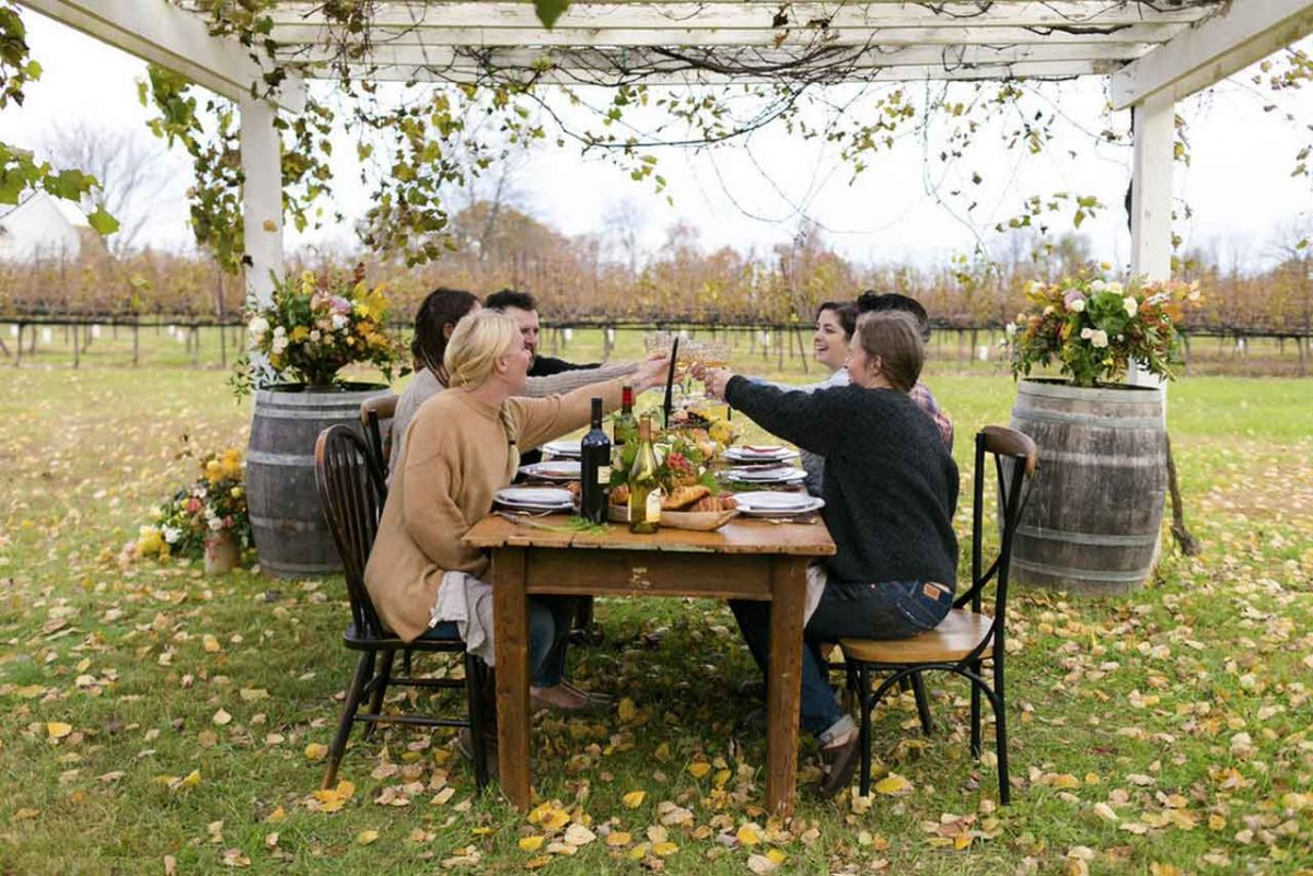 4 Thanksgiving Buffet Table Ideas For Wedding Party | Table Covers Depot