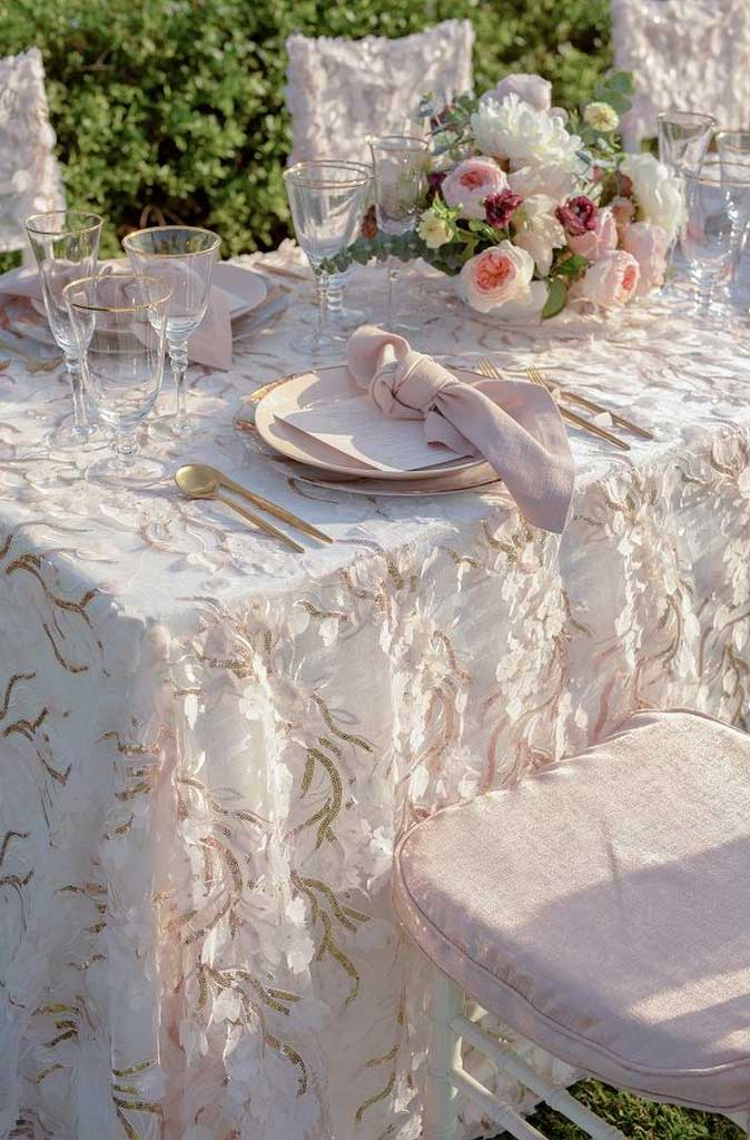 Here Are Contemporary Tablecloth Style You Should Know