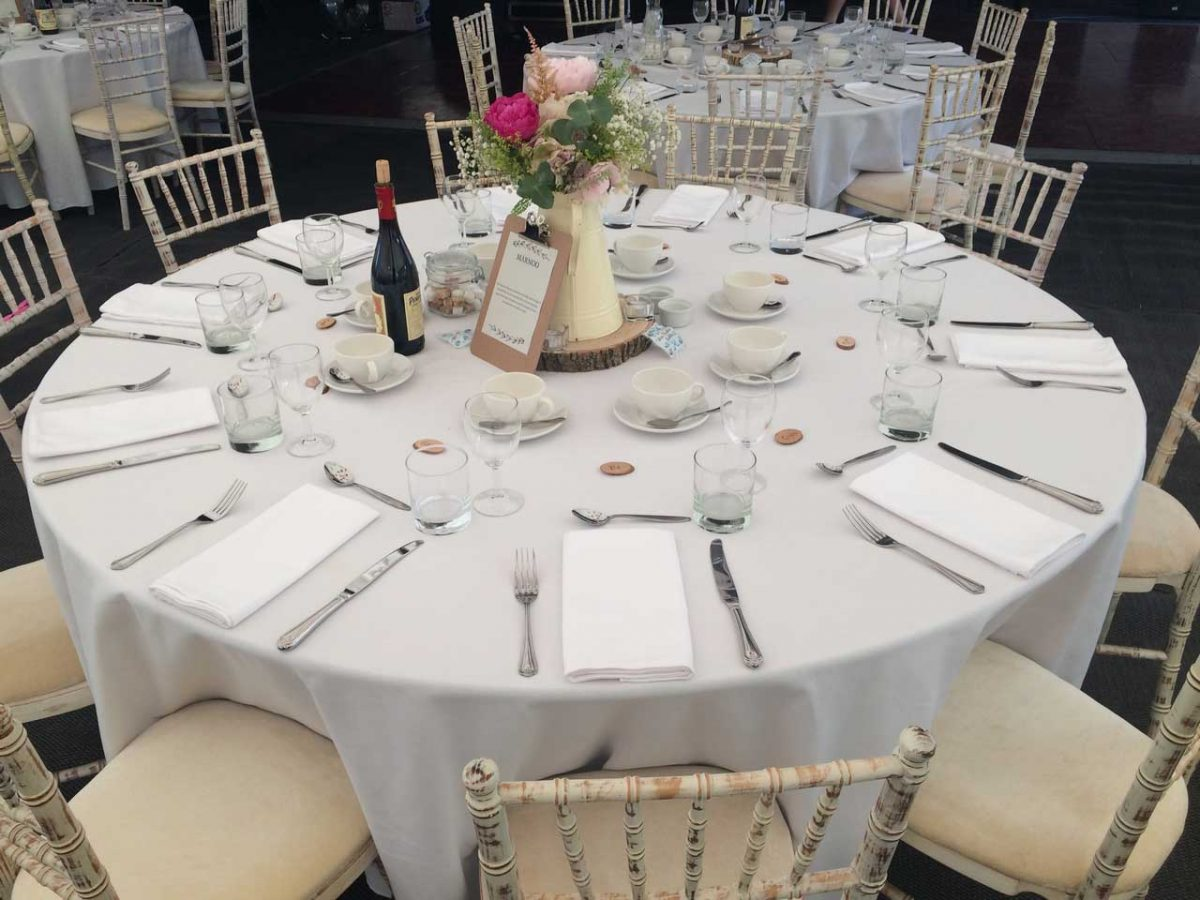 The Ways to Choose the Right Size of White Round Tablecloth