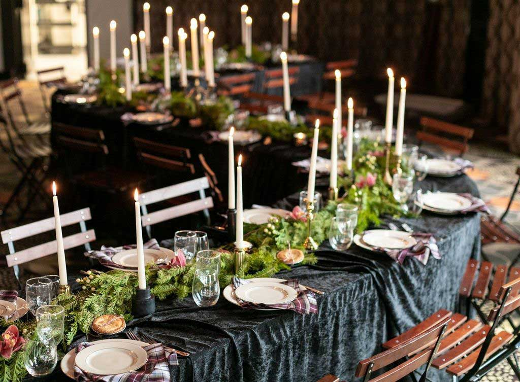 Finding Out the Best Way on Choosing Crushed Velvet Tablecloth Size