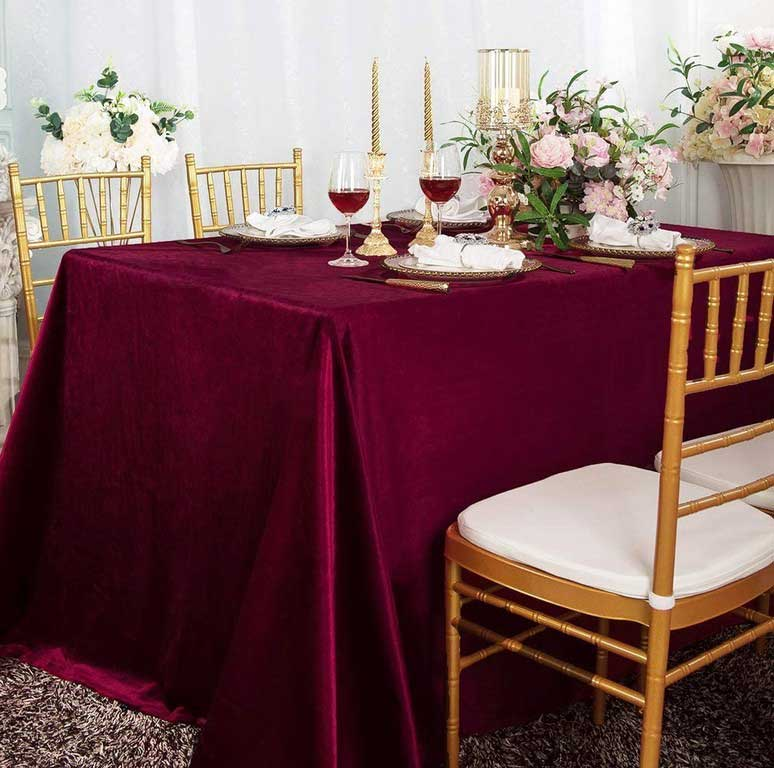 5 Benefits of Using Red Velvet Tablecloth You Should Consider